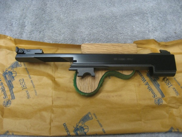 Smith & Wesson model 41-5 1/2'' heavy barrel factory new.  SOLD OUT - Product Image